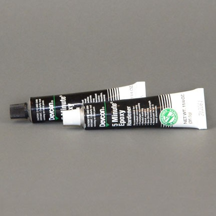 ITW Polymers Adhesives Devcon 5 Minute Epoxy Adhesive 2.5 oz Tube Kit